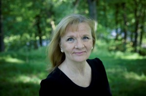 Vad läser du i sommar Aino Trosell?